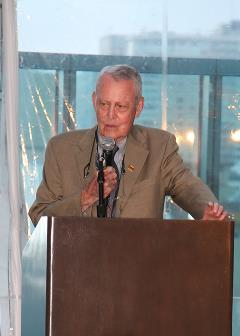 Dr. Starzl in 2014 at ASTS 40th anniversary reception